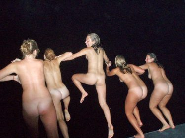 partying-teens-at-the-lake-house-10
